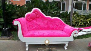 sofa hellokity mewah terbaru