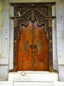 pintu rumah model gebyok klasik modern