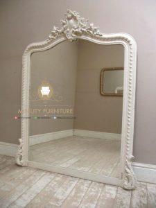 cermin hias dinding kayu ukir duco putih terbaru