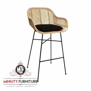 model kursi cafe kaki besi dan rotan