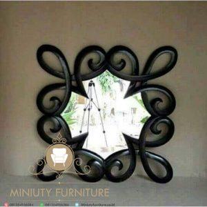 cermin dinding unik model terbaru