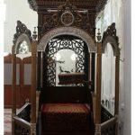 mimbar masjid ukir mahkota modern