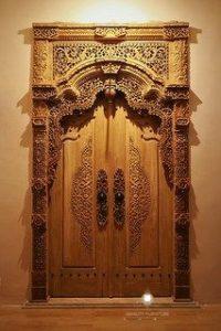 pintu gebyok ukir mewah kayu jati jepara