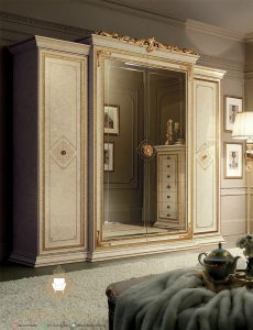 wardrobe elegant duco putih kayu