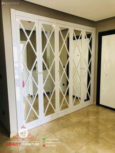 model wardrobe putih minimalis pintu kaca