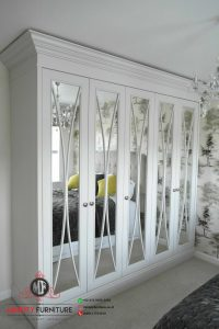 wardrobe pintu kaca putih minimalis classic kayu