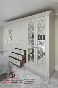 contoh lemari pakaian putih clasik modern pintu kaca cermin terbaru